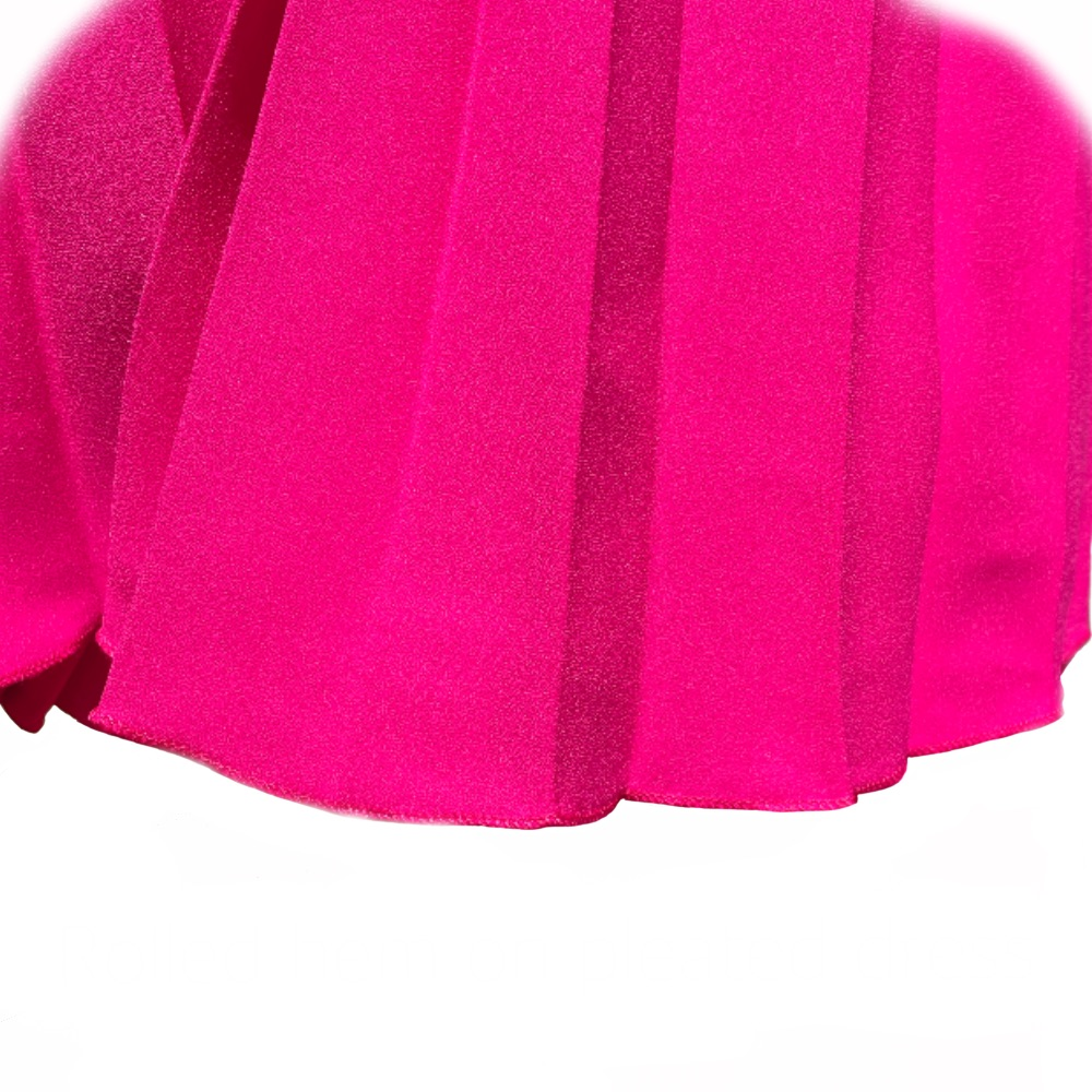 You are currently viewing Rolled hem on pleated dress